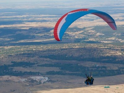 Paragliding for two in Guadalajara + 2 videos