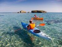 Kayak en las aguas de Mallorca