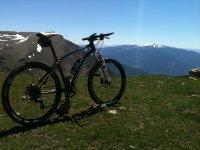 自行车之旅Menudas从内华达观点