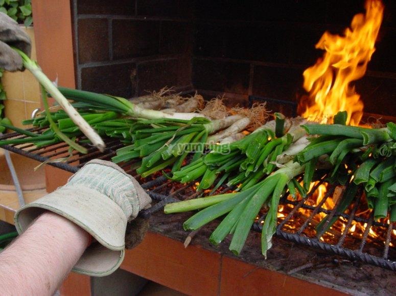Grilling the calçots