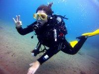 普拉亚布兰卡兰萨罗特岛的潜水洗礼