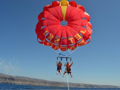 Parasailing on Inglés Beach
