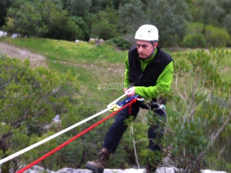 Rappel autoasegurado en Cantabria