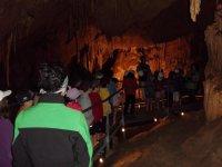 Ruta guiada por las entrañas de la gruta de Mendukilo