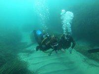 Durante las inmersiones en el mar