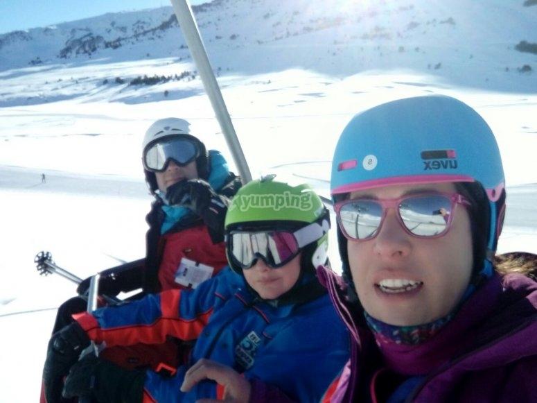 Subiendo para esquiar