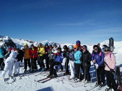 Sierra de Madrid的成人滑雪课程