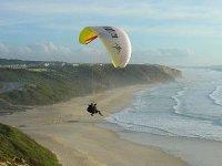 从高山滑翔伞的壮丽景色