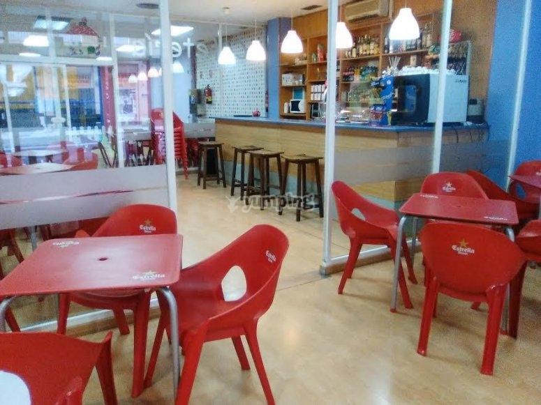 Espacio para relajarse en la cafeteria