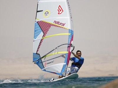 Curso de windsurf principiantes en Roquetas de Mar