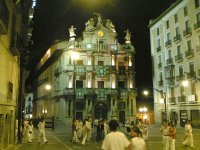 Ayuntamiento de Pamplona de noche
