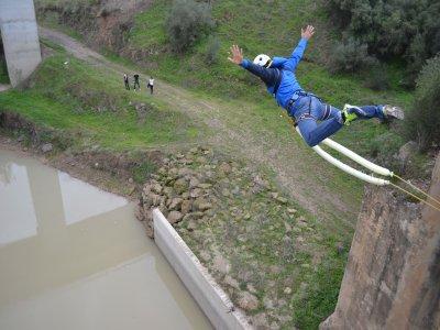 Salto de puenting para 4 personas en Córdoba