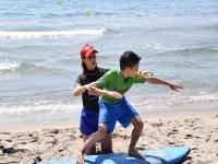 Impara il surf nel corso base di Castelldefels