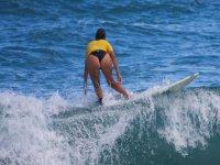 Practicando el paddel surf