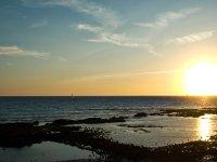 Atardeceres场生活实践燮桨冲浪在夕阳