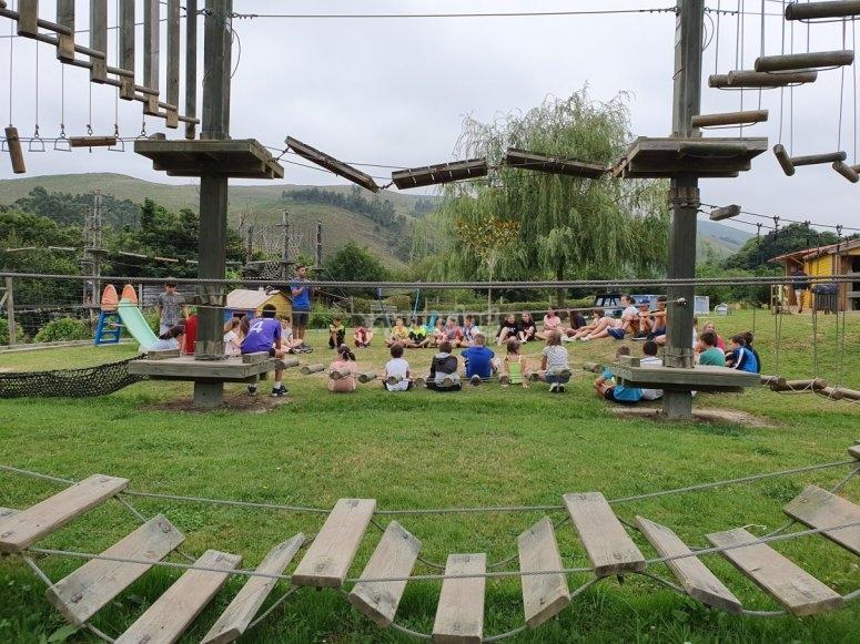 Día de campamento multiaventura