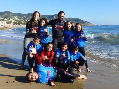 6月或7月5日在Castelldefels冲浪营地