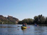 remando en los kayak