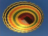 Viendo volar el globo aerostático