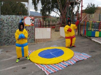 黄色幽默Gymkana在阿尔梅里亚