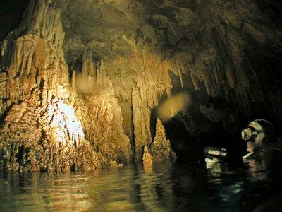 Inmersión doble en la Cueva del Pont d'en Gil