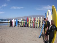 Alumnos de surf