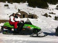 Ruta sobre una moto de nieve