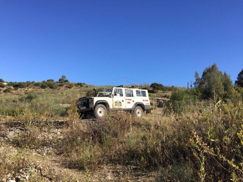 Viaje subidos en el jeep