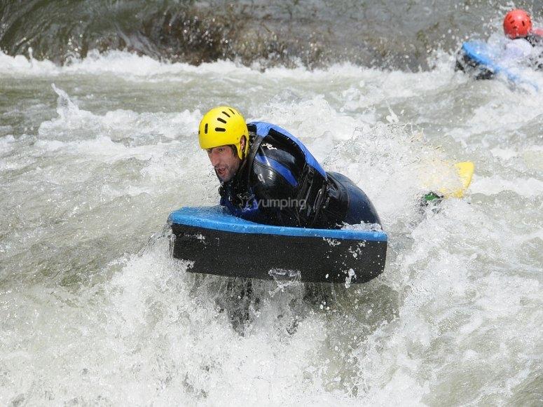 Discesa del fiume a tutta velocità