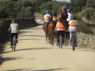 Despedidas, celebraciones en Tiétar con caballos