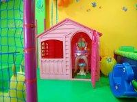 casita de ninas rosa con tocador incluido