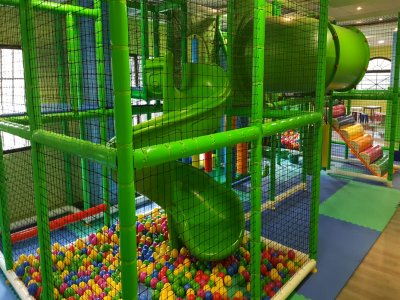 Children's playground in Mostoles for 1 hour