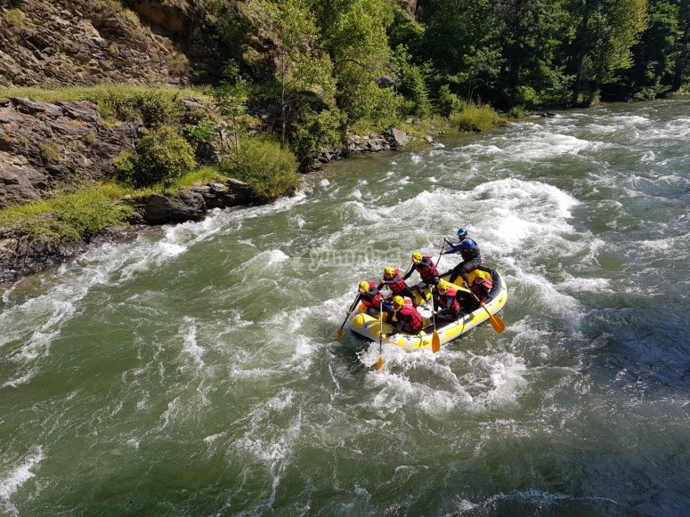 Whitewater descent