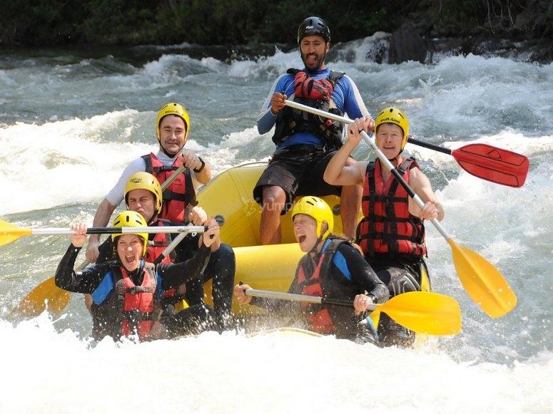 Remando en el raft