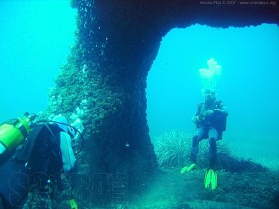 Diving in El Submarino in Menorca, 2 hours
