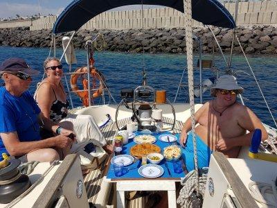 在兰萨罗特岛乘船游览,食物4小时