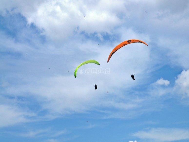 加的斯滑翔伞