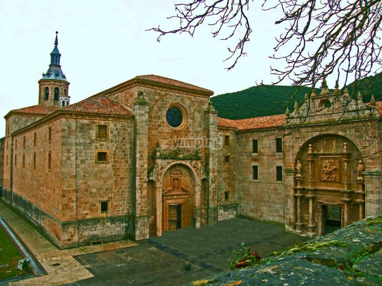 Visit the monastery of Yuso
