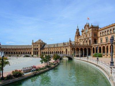 Pilotar una scooter en Sevilla una jornada