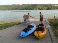 Acercando las embarcaciones a la orilla