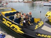 快艇在Ibiza船-999停止 -  Tumbados行走水