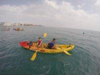 Sesion de kayak en el mar