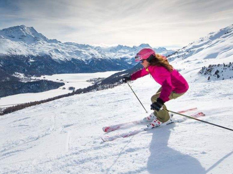 Disfrutando de una clase de esquí