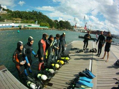 Realizar un bautismo de buceo en Pontevedra