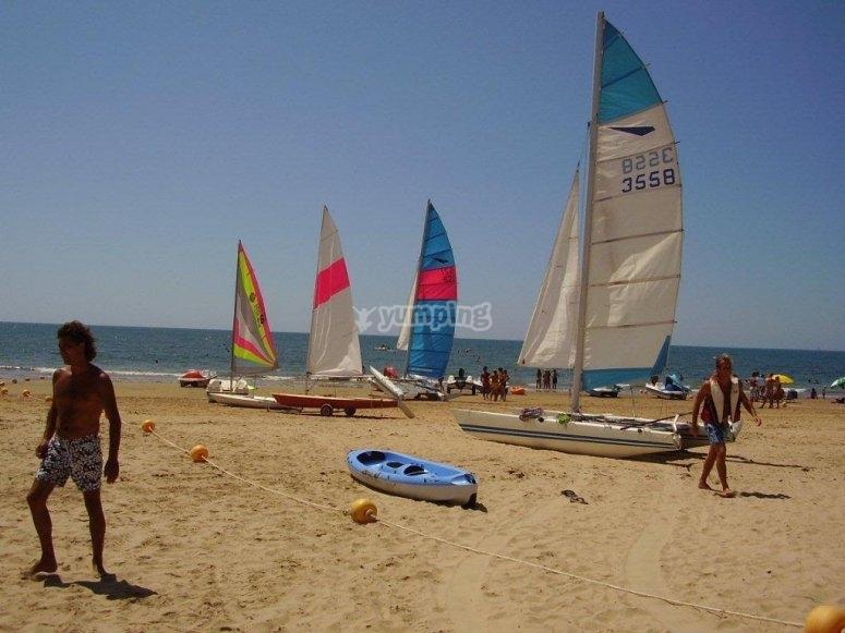 卡马伦海滩