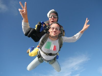 Salto tándem paracaídas en Castellón a 4000 metros