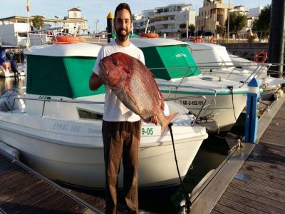 Jornada de pesca con catamarán en Chipiona 8 horas