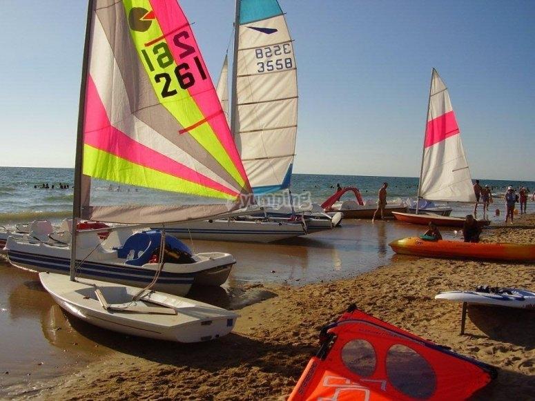 Flota de catamaranes e hidropedales