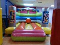 Fiesta para niños en parque infantil