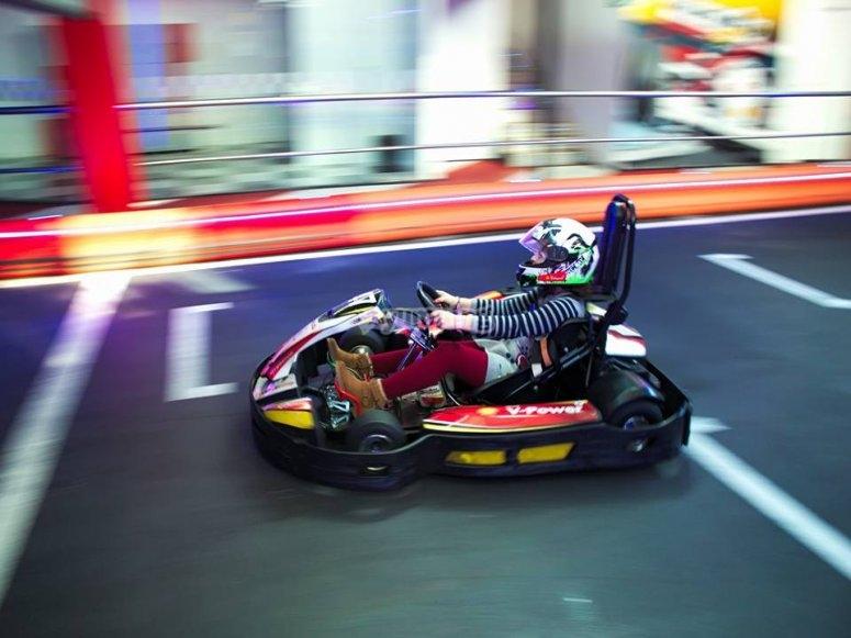 Corriendo en kart en Barcelona
